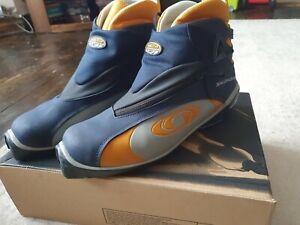 Men's Salomon Cross Country Ski Boots Uk9 VGC