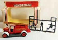 LLEDO DAYS GONE 1934 DENNIS FIRE ENGINE & FIREMEN - CARDIFF CITY FB - BOXED