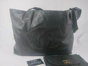 AUTH CHANEL TOTE  BAG WITH POUCH  MADE IN ITALY