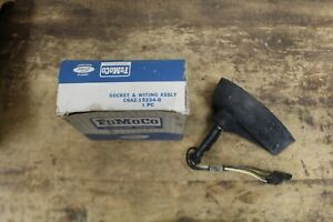 NOS 1966 FORD GALAXIE XL LTD 7-LITRE COUNTRY SQUIRE PARKING LIGHT SOCKET wSHIELD