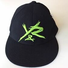 YOUNG AND RECKLESS Y&R Mens S/M SMALL MEDIUM FlexFit Black Green Hat Cap