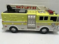 BUDDY L SKY LIFT 25 LADDER FIRE TRUCK VINTAGE 1994 IN PRIME CONDITION