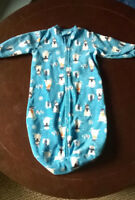 Carter's Baby Swaddle Bunting Outfit Blanket size 0-9 Months Snowmen Snowflakes