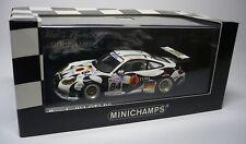 UN PORSCHE 911 GT3 RS LE MANS 2004 1:43 MINICHAMPS