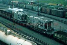 BN-962194 FLAT/W-LOAD WRECKED HOPPERS MPLS.MN.JUL-1975 ORIGINAL RR SLIDE (B7)