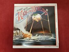 JEFF WAYNE'S THE WAR OF THE WORLDS - double vinyl album with booklet