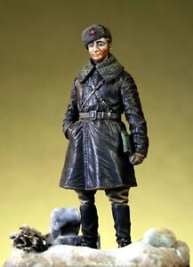 Pegaso Models 1:35 Russian Tank Officer 1943-45 Resin Figure Model Kit #PT-015