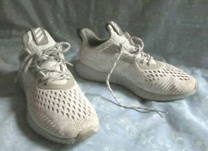 Women's ADIDAS Alpha Bounce Gray Athletic Sneakers Size 8