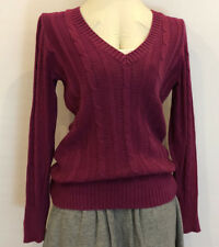 Old Navy Cable Fushia sweater.100% cotton. Size M