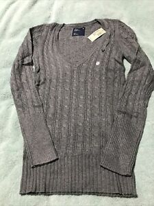Juniors American Eagle Cable Knit V-Neck Sweater- Gray- NWT- Size Large