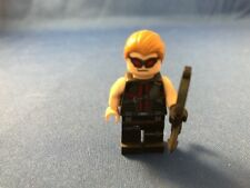 Lego Minifigure Marvel Comics Hawkeye (Red Outfit)