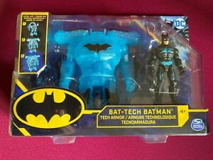 DC Comics Batman Bat-Tech 4-inch Deluxe Action Figure with Transforming Tech Arm