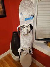 Burton Lux 43 143cm Women's Twin-Tip Snowboard w/Burton Bindings