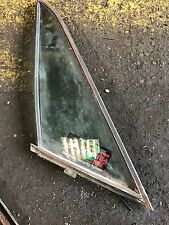 TRIUMPH TR7 O/S DRIVERS DOOR QUARTER GLASS WITH SEAL