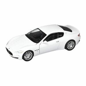 MOTORMAX 73361 Maserati Gran Turismo White Scale 1:24 Model Car New !°