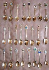 Collection 24 petites cuillères à café souvenir métal argenté chromé - Lot 9