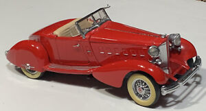 1:24 SCALE 1934 PACKARD LEBARON SPEEDSTER RED  BY DANBURY MINT (NO BOX)
