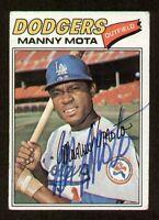 Manny Mota #386 signed autograph auto 1977 Topps Baseball Trading Card