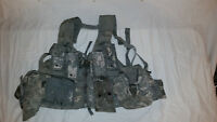 LIGHTWEIGHT MOLLE II ACU FLC ADJUSTABLE FIGHTING LOAD CARRIER W/ POUCHES JJ 1031
