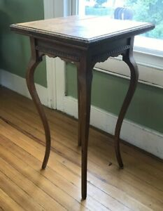 Antique Oak Vermont Plant Stand on Cabriole Legs w/Egg & Dart Molding  c.1900