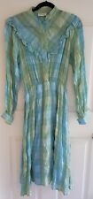 Ladies size 12 Green Checkered Crinkly Dress - Monique
