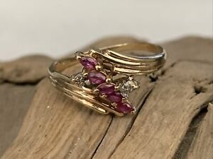 Vintage Hallmarked 9ct Gold Diamond & Ruby Bypass Ladies Ring - size N1/2 - 2gr