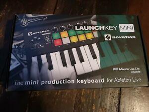 Novation launchkey mini mk2 Boxed - very good condition