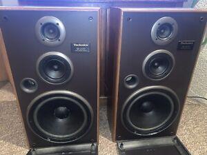 2 Technics 3-way speakers, Model SB-LX70, Impedance: 8Ω, Output Power (RMS):200W