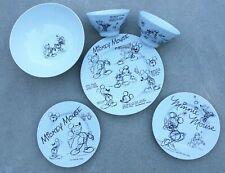 New Disney Sketchbook 13 Piece Mickie & Minnie Mouse Dinnerware Set Nwt