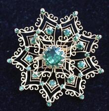 Vntg Signed DeNicola De Nicola Goldtone Green Rhinestones STAR Shape Pin Brooch