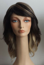 Melody Wig MT-2555 Farrah Feathered Style 70s color: PF1624 (multi)