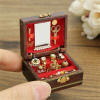 1:12 Miniatur Schmuckschatulle aus Holz Vitrine Puppenhaus Dekoration Zubehör