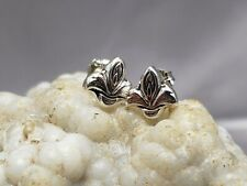 Sterling silver earrings, fleur de lis shape. 925 silver,push back system, new
