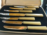 Stunning ART DECO Butter Tea Knives Sheffield Fitted Case Smart