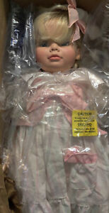 """1990 Susan Wakeen LE """"Julie"""" Growing Up Doll -- 19"""" NRFB"""