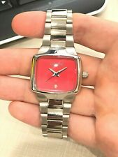 NIXON VIP PASS THE SMALL PLAYER STEEL BAND RED FACE VERY RARE LADIES WATCH $250