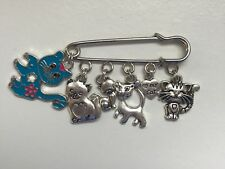 Cat / kitten charm pin brooch badge - blue
