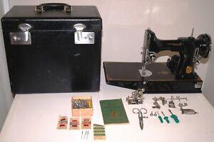Vintage 1934 SINGER FEATHERWEIGHT 221 Sewing Machine w/ Case Accessories Working