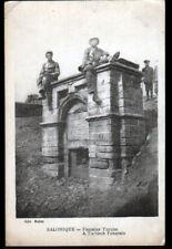 SALONIQUE (GRECE) MILITAIRES à la FONTAINE TURQUE animée en 1917