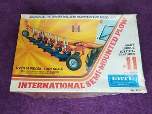 ERTL International Semi Mounted Plow 8011 (FACTORY SEALED) #11 Blueprint Series