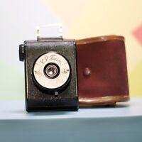 VP Twin 127 Roll Film Bakelite Camera  Circa 1930 Functional Very Clean