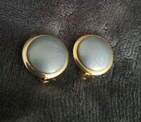 Jewelcraft Coro vintage circular grey/blue Goldtone clip on earrings