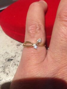 14K YELLOW GOLD RING SET WITH 2 x DIAMONDS- Size N