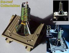 Soyuz R7 Rocket sur rampe de lancement (cosmodrome de Baïkonour) modèle Diorama 1:1100 Kaiyodo