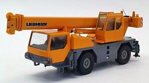 Conrad 1/50 Scale Diecast 2088 - Liebherr LTM 1030/2 Mobile Crane