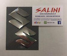 Adesivo coppia Logo Suzuki Argento Cromo in rilievo semi rigido Sticker