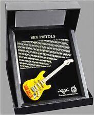 Miniature Guitare Sexe Fender Strat dans Cadre en Bois