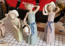 Llardro 3 Girls with Hats 5009,5010,5011 Wells Maine Pick Up