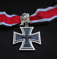 1939 - 1957 GERMAN KNIGHT'S IRON CROSS WITH OAK LEAVES - REPRO ARMY  WWII