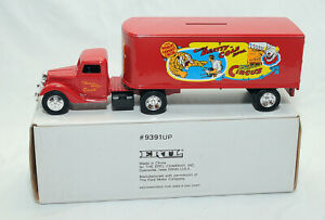 Ertl 1930's Ford Clyde Beatty & Cole Bros. Circus Tractor Trailer #9391UP MIB